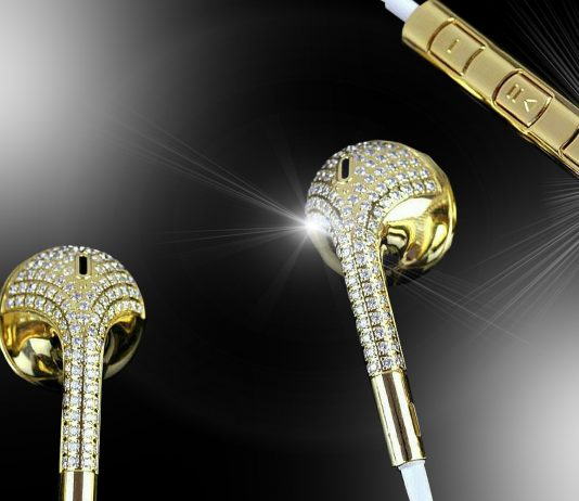 24ct-gold-diamond-earphones luxury marketing